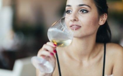 wijn vrouw blij